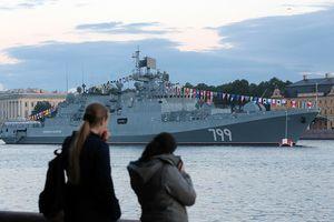 Nga và Ấn Độ hợp tác đóng tàu khu trục