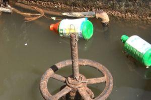 Hàng trăm hộ dân hơn 2 năm không có nước sạch để dùng