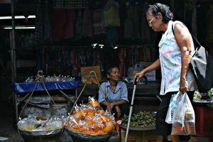Thái Lan chi 70.000 tỉ đồng 'quà tặng' năm mới cho người nghèo