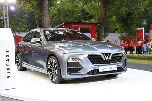 Nhìn gần mẫu sedan VinFast Lux A 2.0 giá chỉ từ 800 triệu đồng