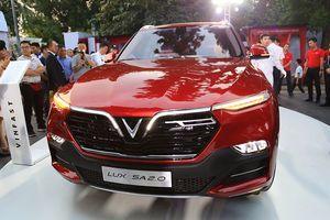 Cận cảnh SUV hạng sang VinFast Lux SA 2.0 vừa ra mắt