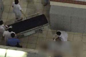 Nam bệnh nhân nhảy lầu tự tử ở Bệnh viện Bạch Mai