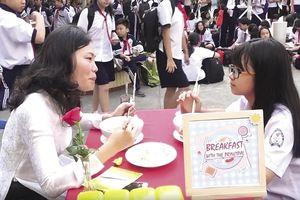 Nhân ngày Nhà giáo 20/11: Cô hiệu trưởng với sáng kiến tiếp thêm động lực cho học sinh