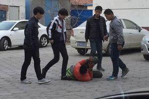 Kinh hoàng với nạn bạo lực học đường: Đẩy ngã bạn từ tầng 15 rơi xuống đất tử vong tại chỗ