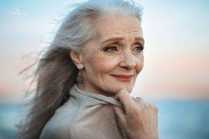 Con người từ 60 tuổi trở lên thường nhìn lại quá khứ để 'tổng kết cuộc đời'