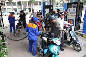 Xăng tiếp tục giảm giá hơn 1.000 đồng/lít