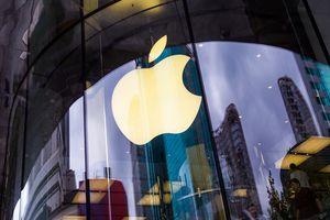 Apple 'chìm sâu', chứng khoán Mỹ bị xóa sạch đà tăng trong năm