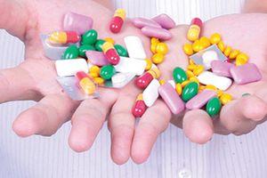 Lạm dụng kháng sinh: Cảnh báo nguy hại sức khỏe từ lâu, vẫn phớt lờ