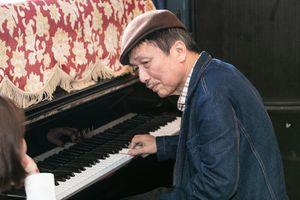 Phú Quang tự nhận là 'nhạc sĩ nghèo nên không có tiền làm show lớn'