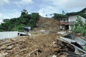 Mưa lũ làm chết 19 người tại Nha Trang: Đừng đỗ hết lỗi cho thiên tai