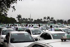 Hà Nội sẽ 'mặc đồng phục' cho 20.000 xe taxi