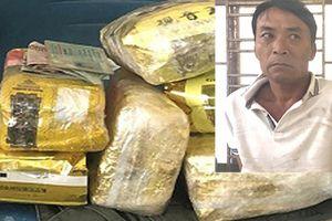 Bắt vụ vận chuyển hơn 6kg ma túy đá