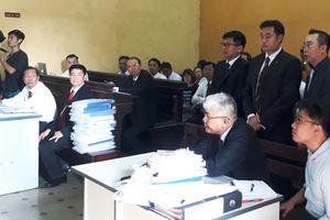 Vụ 'Vinasun kiện GrabTaxi': Tòa tiếp tục xét hỏi số tiền Vinasun đòi bồi Grab thường