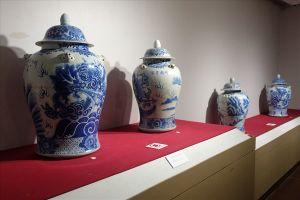 Hiến tặng hơn 100 hiện vật gốm sứ cho Bảo tàng mỹ thuật Đà Nẵng