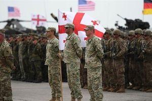 Mỹ kỳ vọng quân đội chung châu Âu để... hỗ trợ NATO