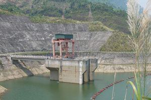Thủy điện có nguy cơ thiếu hụt khoảng 1,2 tỷ kWh do thiếu nước