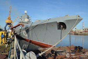 Đột nhập lên boong tàu khinh hạm mới tinh của Hải quân Nga