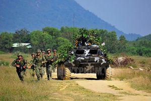 Mục kích bộ binh VN 'đánh địch' đổ bộ đường không