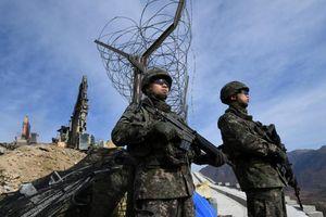 Xem trạm gác Triều Tiên nổ tung tại khu phi quân sự