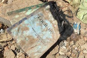 Đau xót kỷ vật cuối cùng của gia đình thầy giáo thiệt mạng sau lũ dữ
