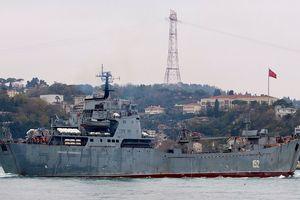 Tàu chiến Nga đang chở hàng loạt vũ khí gì tới Syria?