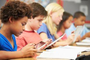 Lý do không nên cho trẻ tiếp xúc sớm với công nghệ