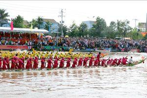 Khép lại Lễ hội Oóc Om Bóc - đua ghe Ngo truyền thống của đồng bào Khmer Sóc Trăng