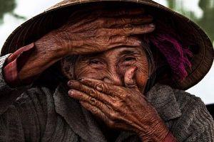 Cụ bà 78 tuổi có 'nụ cười đẹp nhất thế giới' làm đại sứ thương hiệu cho Nhà Việt Nam Vinahouse
