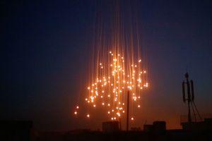 Mỹ lại tấn công thung lũng Euphrates bằng bom hóa học bị cấm