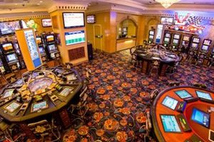 Thí điểm cho người Việt Nam chơi bài trong casino ở Phú Quốc