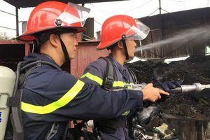 Cháy kho phế liệu, không thiệt hại về người