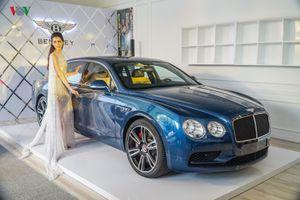 Cận cảnh Bentley Flying Spur V8 S có giá gần 17 tỷ đồng tại Việt Nam