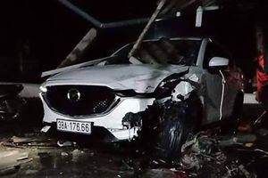 Phó phòng Tài nguyên môi trường huyện lái ô tô va chạm xe máy gây tai nạn chết người