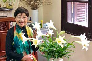 Nhà thơ Phan Thị Thanh Nhàn: Hãy cứ sống vui từng ngày