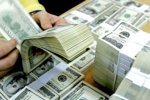 Tỷ giá trung tâm vọt lên cao, các ngân hàng cũng tăng mạnh giá trao đổi USD