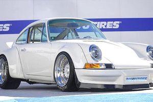 Choáng với xe Porsche 911 dùng động cơ điện của Tesla