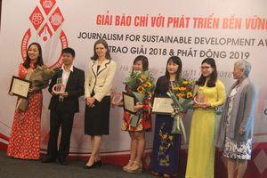 Trao giải và phát động Giải báo chí với phát triển bền vững năm 2019