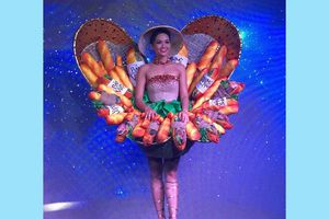 Trò chuyện với 'cha đẻ' trang phục Bánh mì của H'Hen Niê tại 'Hoa hậu Hoàn vũ 2018'