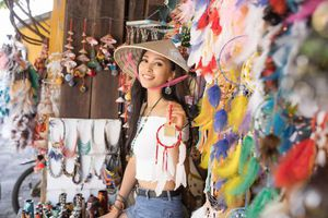 Hoa hậu Tiểu Vy mang hình ảnh Hội An đến Miss World