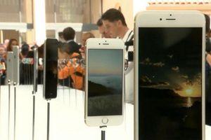 Vì sao giá cổ phiếu của ông lớn làng công nghệ Apple sụt giảm?