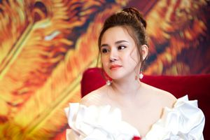 Vy Oanh: Lớn lên trong cùng cực để thành ca sĩ nổi tiếng