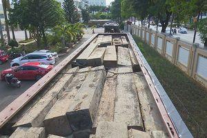Đắk Lắk: Bắt giữ 2 xe tải lắp biển số giả vận chuyển hàng chục khối gỗ lậu