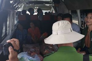 Vụ xe bồn bốc cháy dữ dội ở Bình Phước: Lúc bới trong đống đổ nát thì phát hiện 4 người trong gia đình đã chết cháy