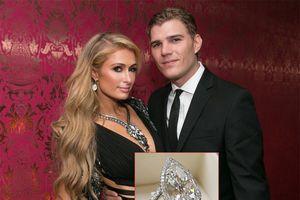 Paris Hilton xuất hiện không một chút buồn bã dù mới hủy hôn bồ trẻ