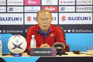Bị 'ném đá' vì không bắt tay cuối trận Myanmar - HLV Park Hang-seo lên tiếng đáp trả cực gắt