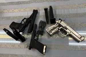 TP.HCM: Bắt hành khách mang 3 khẩu súng từ nước ngoài về Việt Nam