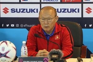 Thầy Park 'phản pháo' sau khi nhận chỉ trích từ HLV Myanmar
