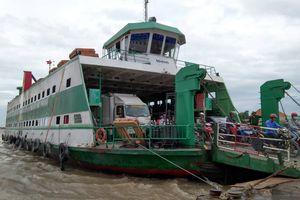 Các bến phà ở Sài Gòn tạm ngưng hoạt động do bão số 9 sắp đổ bộ vào đất liền
