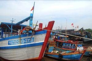 Các tỉnh miền Tây cấm tàu thuyền ra khơi để tránh cơn bão số 9