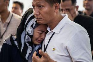 Vụ rơi máy bay Indonesia: Phi công quả cảm đã chiến đấu tới giây phút cuối cùng